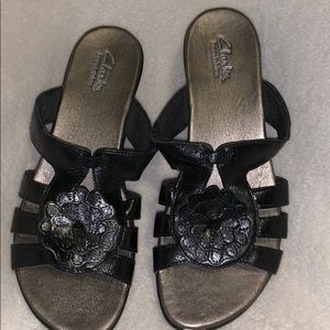 Clark's bendables sandals 8 black leather nwot